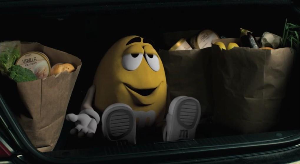 m&ms jaune avec pub du super bowl